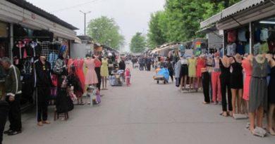 Автомобилният пазар в Димитровград затваря, Неделният – не